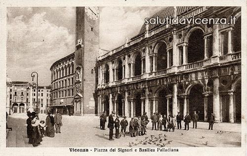 La Basilica Palladiana in una cartolina d'epoca