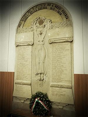 Lapide commemorativa ai caduti della grande guerra - ITIS Rossi, Vicenza