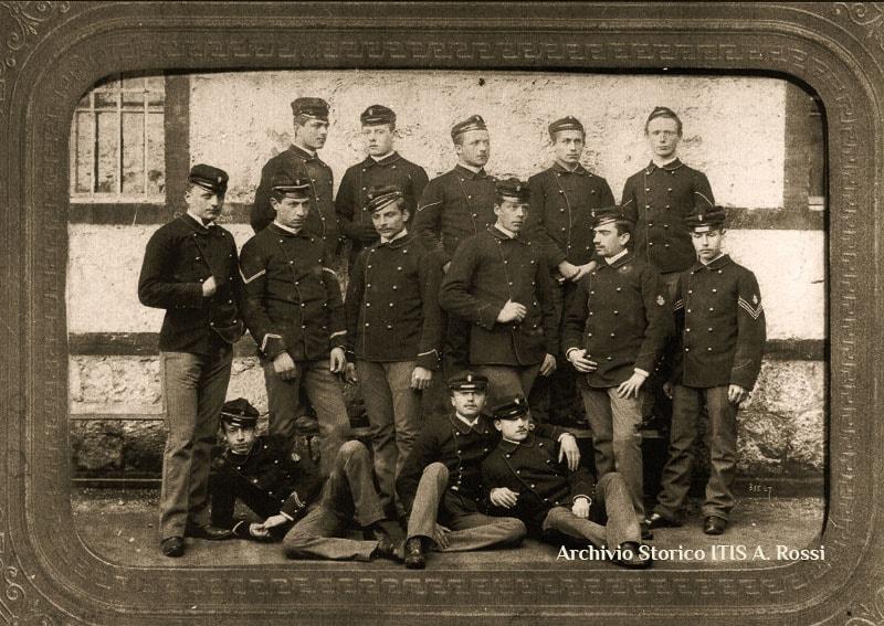 Prime classi ITIS Rossi - anno 1889