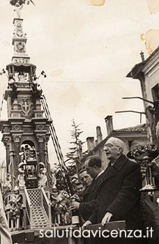 Cerimonia della Ruetta all'Istituto Salvi. Rievocazione storica Rua di Vicenza, 1949.
