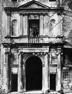 Ingresso principale al Teatro Eretenio di Vicenza.