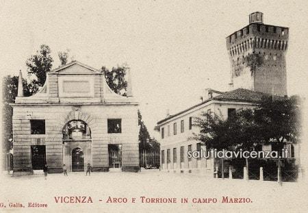 Arco di Campo Marzo dell'architetto Ottavio Bruto Revese.