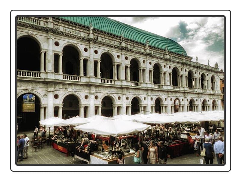 Mercatino dell'antiquariato e del collezionismo a Vicenza