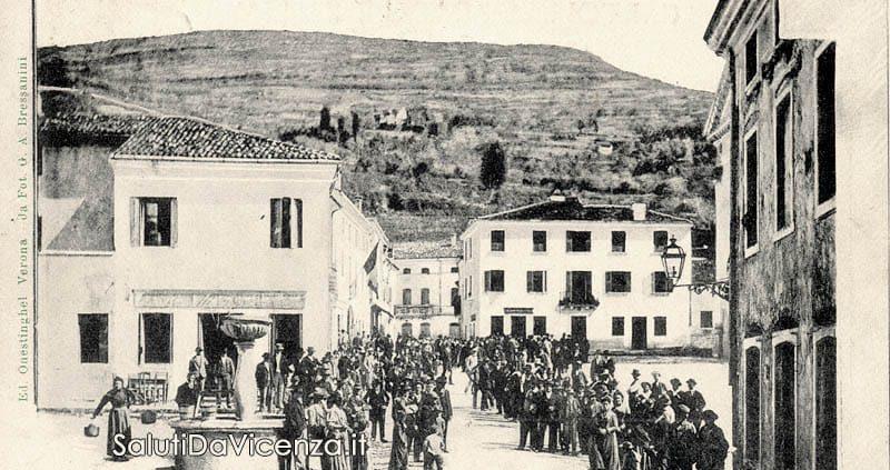 Piazza centrale di Barbarano Vicentino, primi del Novecento.