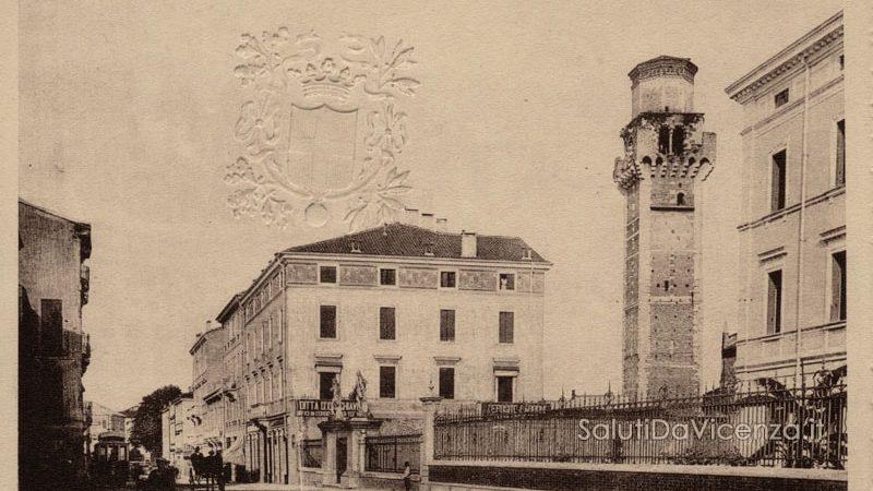 Ingresso e campanile della chiesa di San Felice