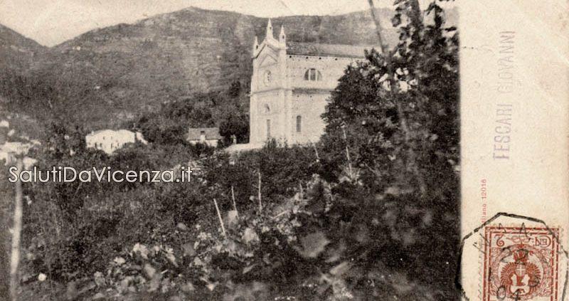 Antica cartolina fotografica della parrocchiale di Nanto.