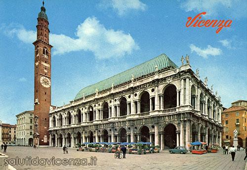 La Basilica Palladiana, centro per l'esposizione delle opere di Van Gogh, in una cartolina postale degli anni settanta.