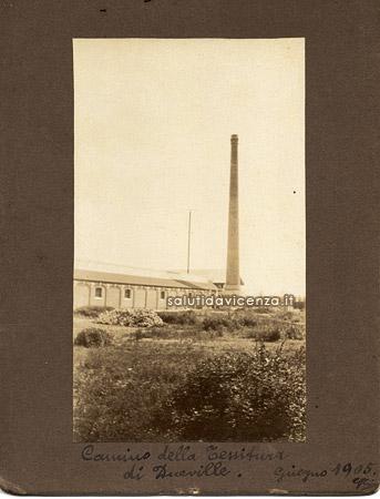 Lanerossi, stabilimento della manifattura vicentina a Dueville, nell'esposizione di fotografie.