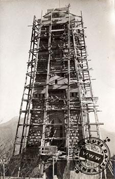 Il Tempio Ossario sul Pasubio durante la costruzione