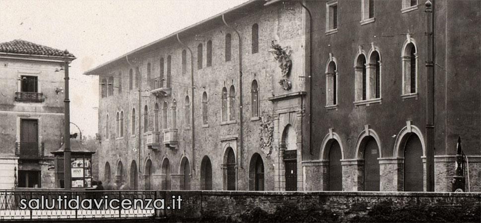Il palazzo del Territorio di Vicenza prima del bombardamento aereo
