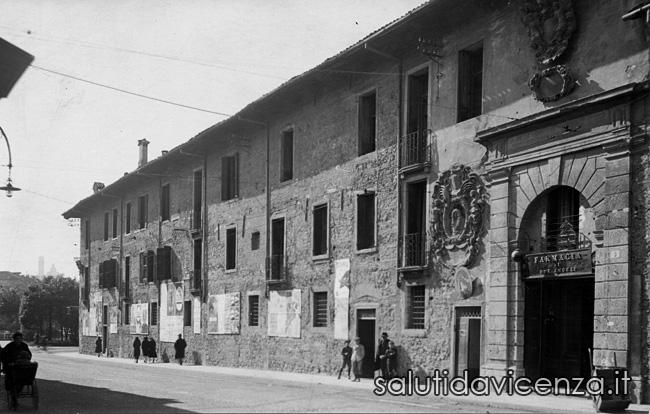 Foto del Palazzo del Territorio prima del restauro