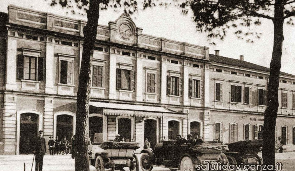 L'antica stazione ferroviaria di Vicenza in una cartolina d'epoca