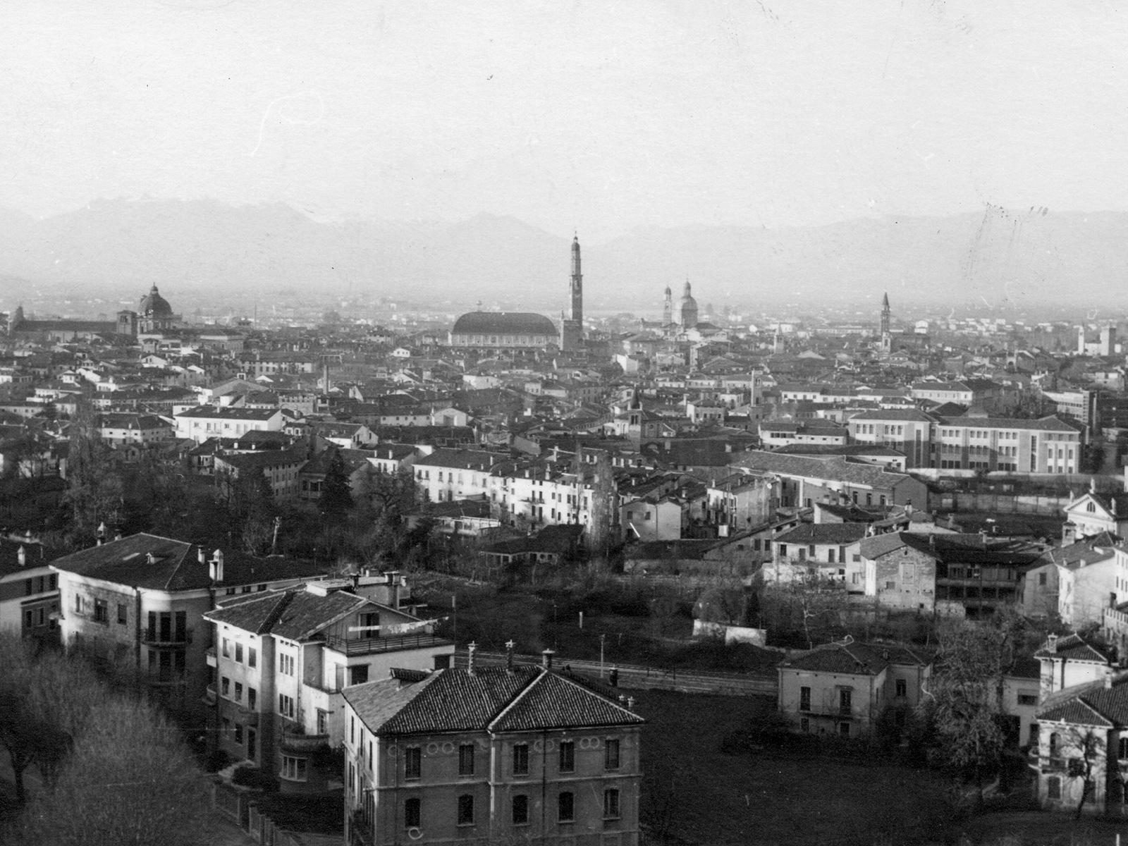 Belle e curiose vedute di Vicenza in cartolina