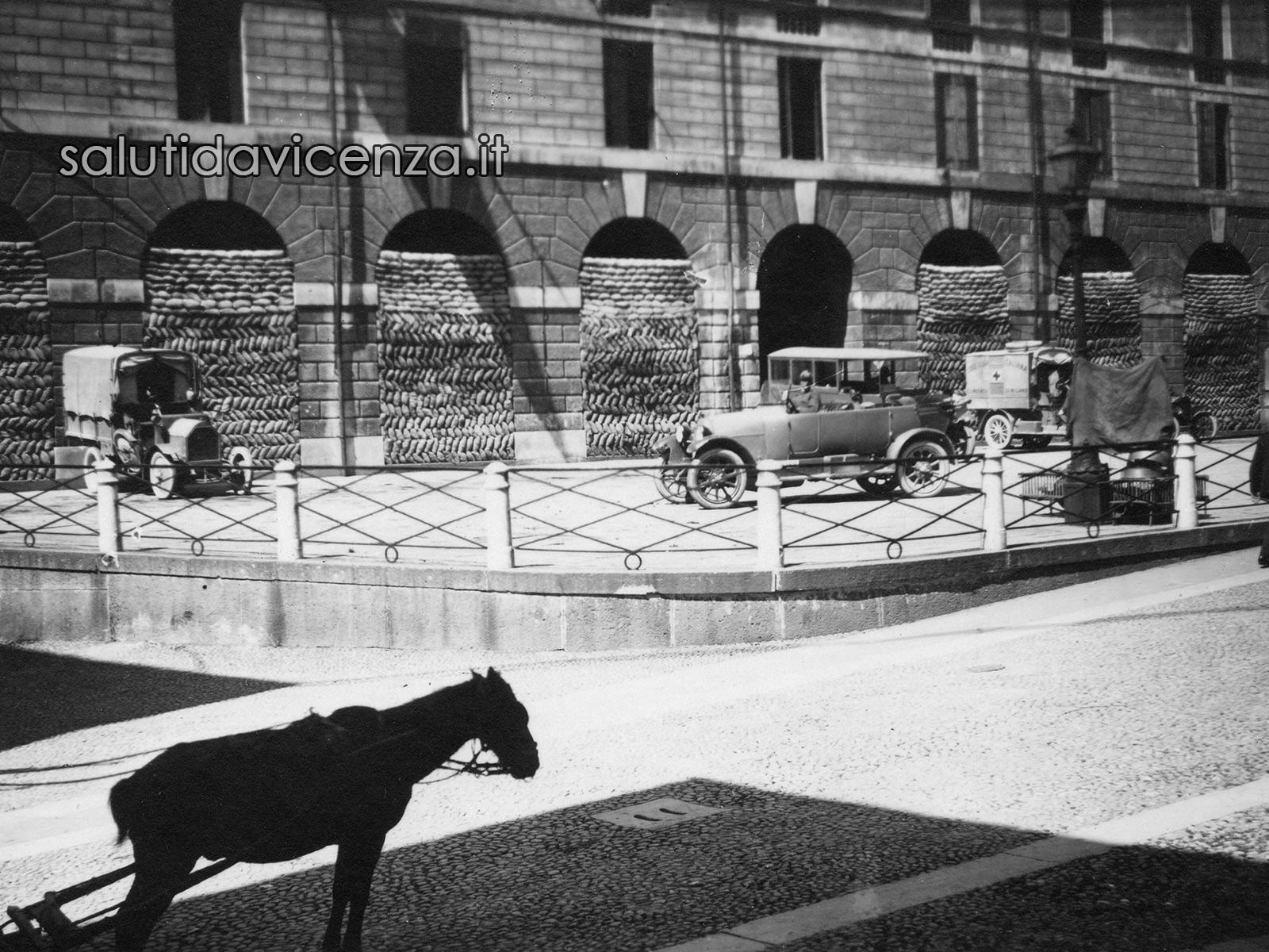 Vicenza, piazza Biade Rifugio e soccorso