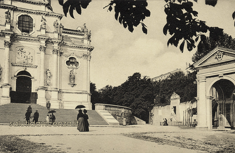 Monumento ai Caduti Italiano