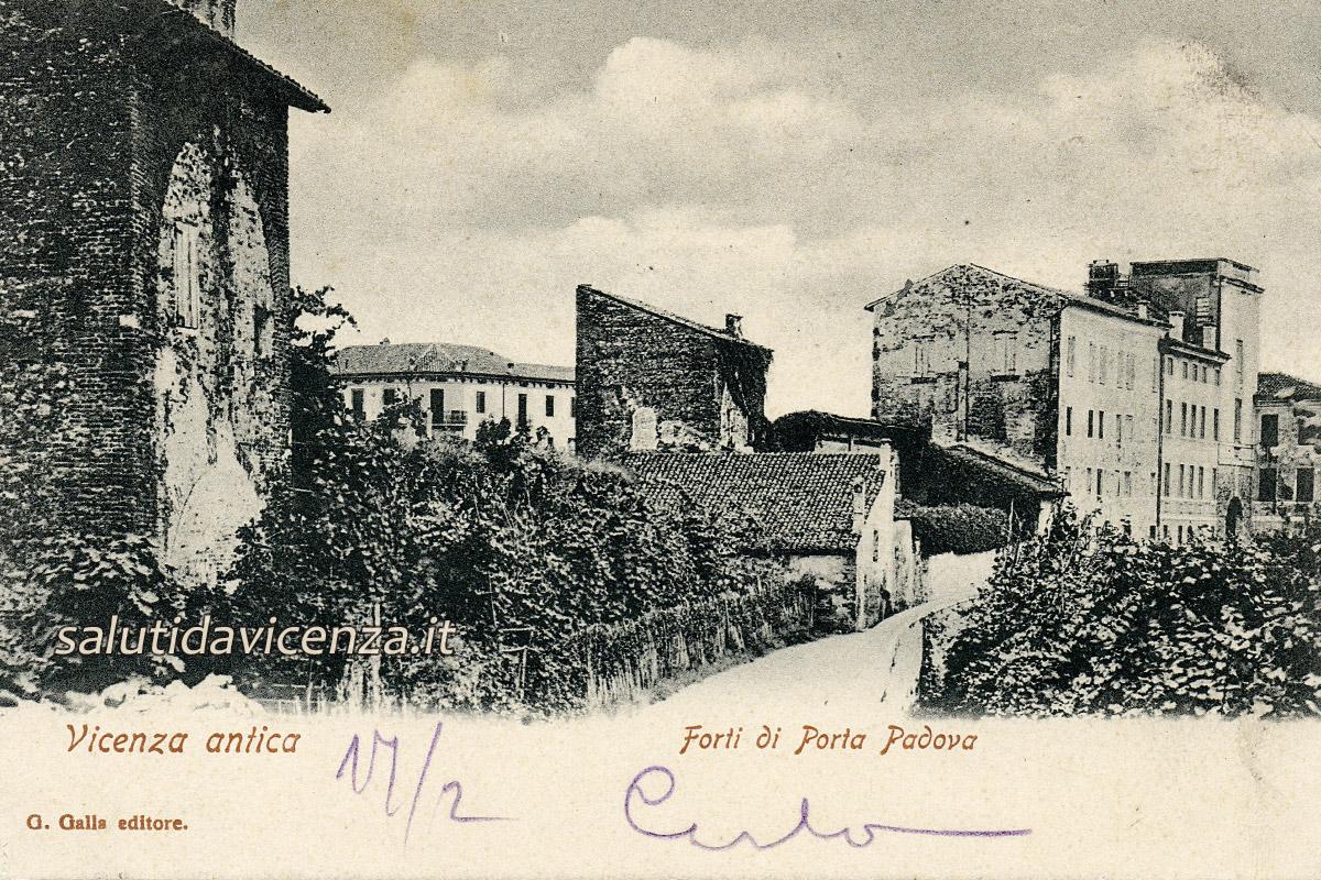 Mura antiche nei pressi di Porta Padova (1903)
