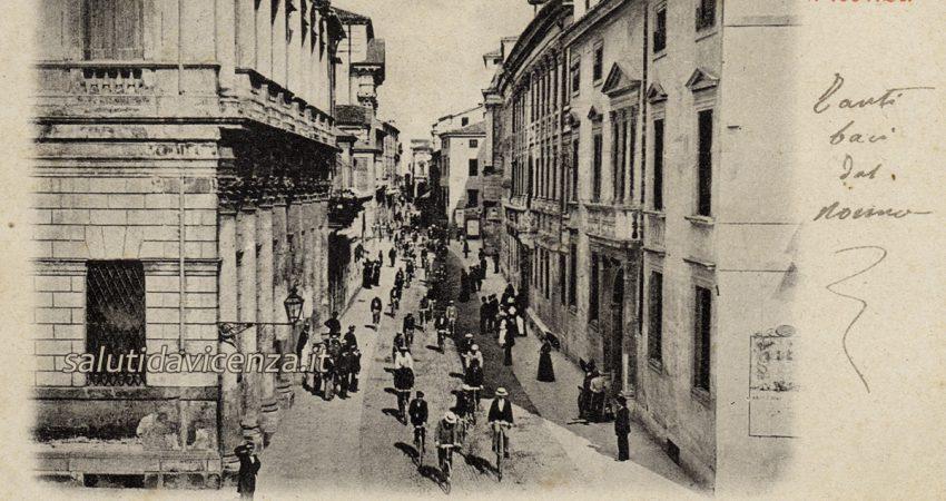 Rare e antiche cartoline da collezione di Vicenza. Sfilata ciclistica di fine Ottocento.