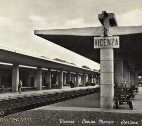cartolina postale di Vicenza, interno stazione ferroviaria